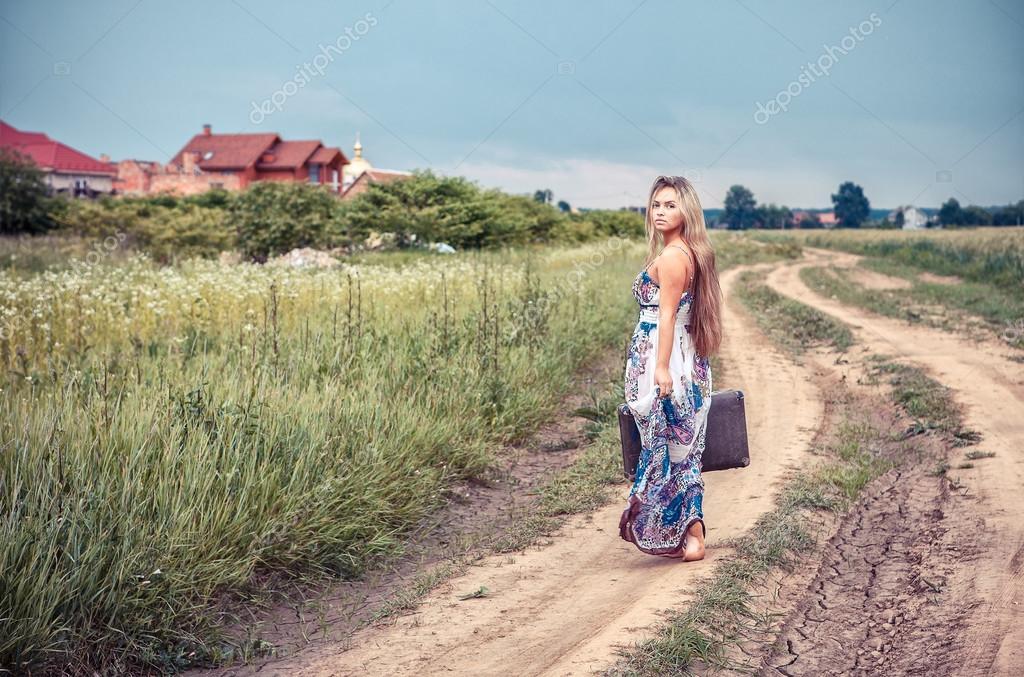 https://st.depositphotos.com/1004114/1327/i/950/depositphotos_13277053-stock-photo-return-of-the-rural-girl.jpg