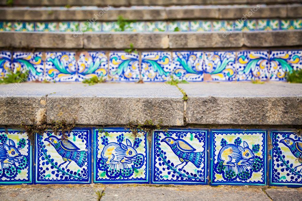 Piastrelle di ceramica close up sui gradini u2014 foto stock