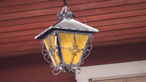 staré závěsné světlo