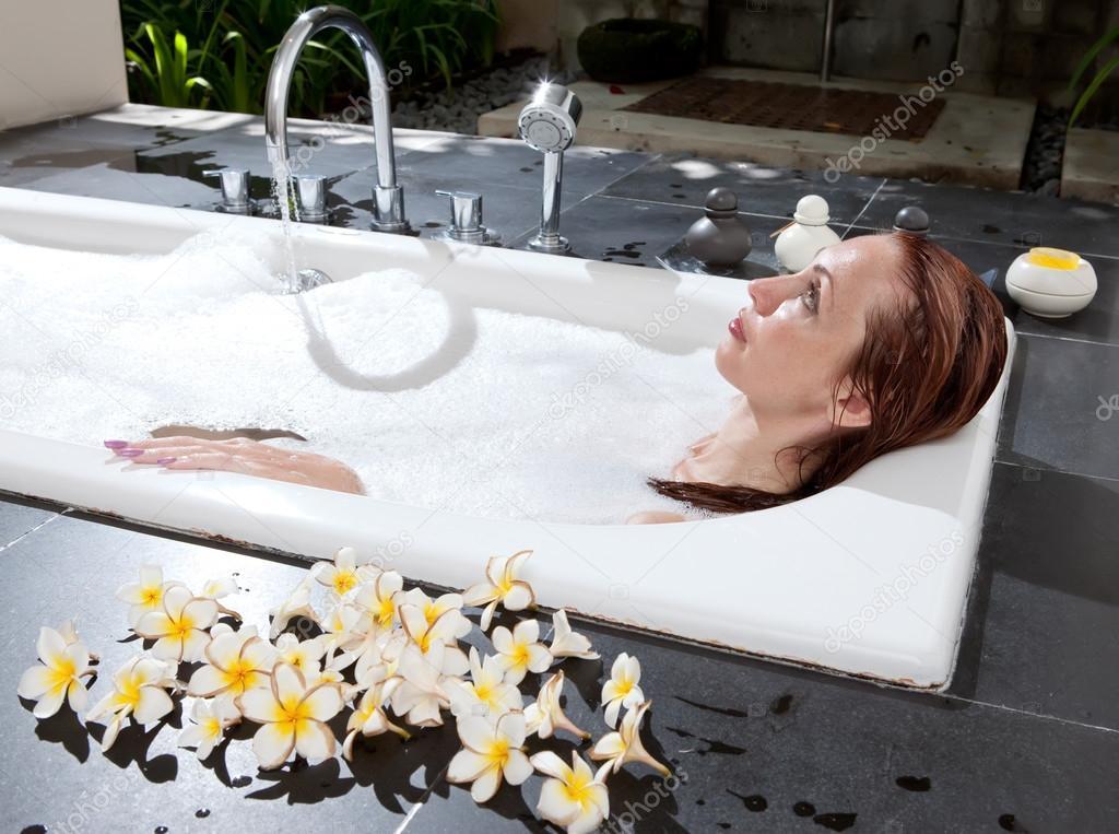 ванная полон спермы страстная