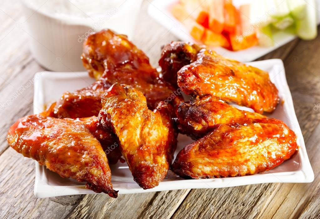 plate of chicken wings