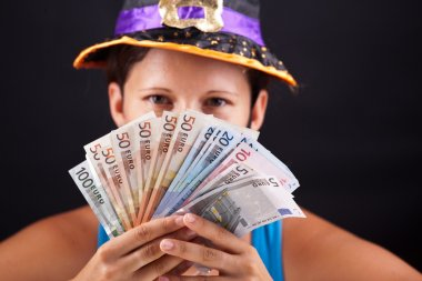 Witch show money