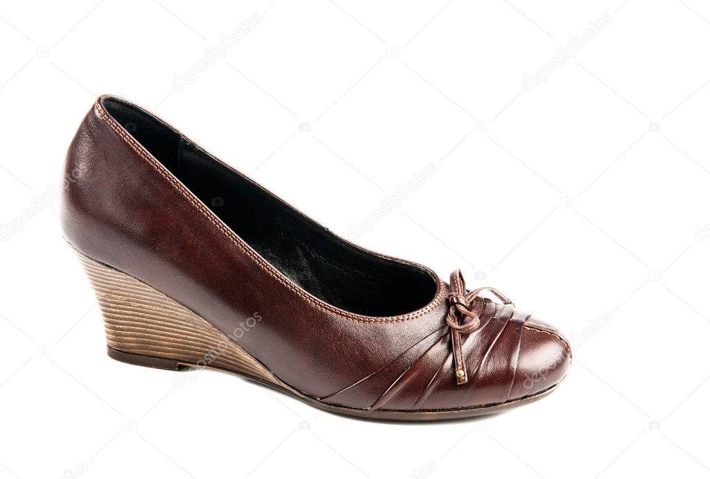 6bb7b0a379b2e6 Braune high heels Damenschuhe isoliert auf weißem Hintergrund — Foto von ...
