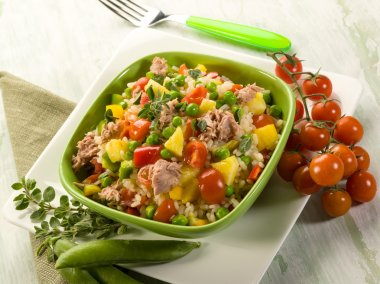 cold rice salad with tuna and pineapple