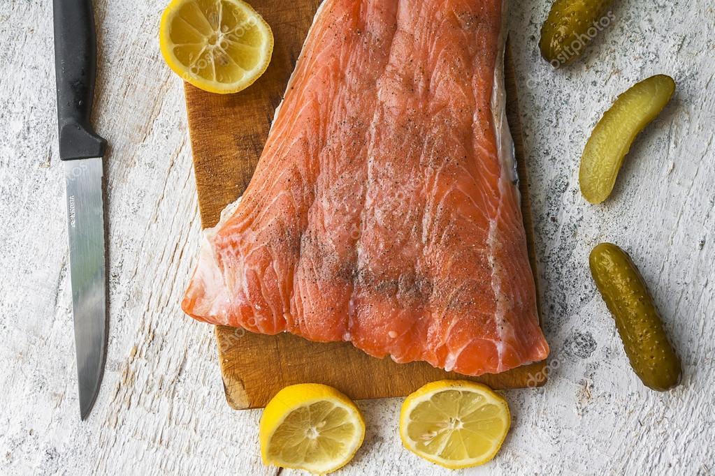 äta rå fisk