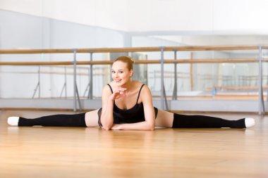 Ballerina does the splits