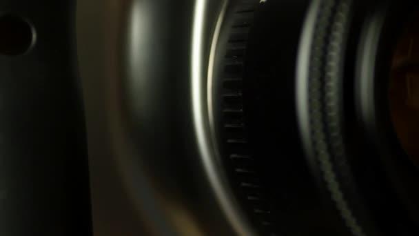 camera lens rotate