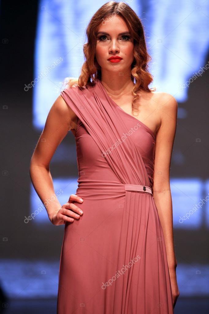 Bonito Vestidos De Novia Encubrir Foto - Colección del Vestido de la ...