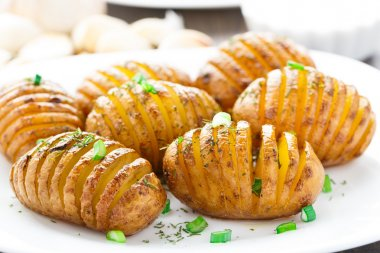 Accordion baked potatoes