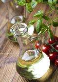 karafa s olivovým olejem