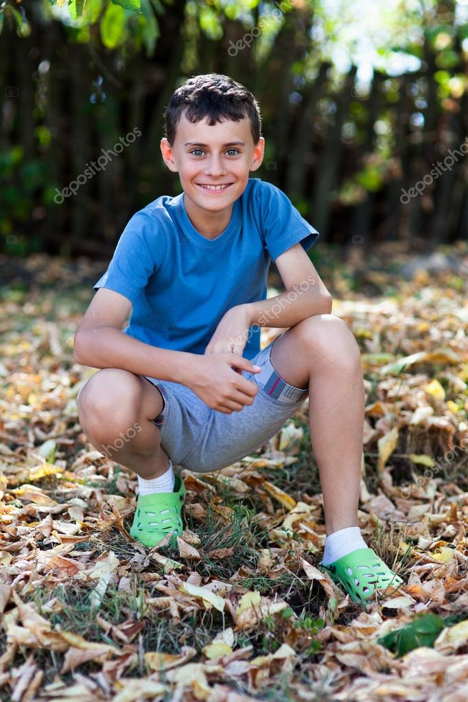boy-nude-in-the-wood