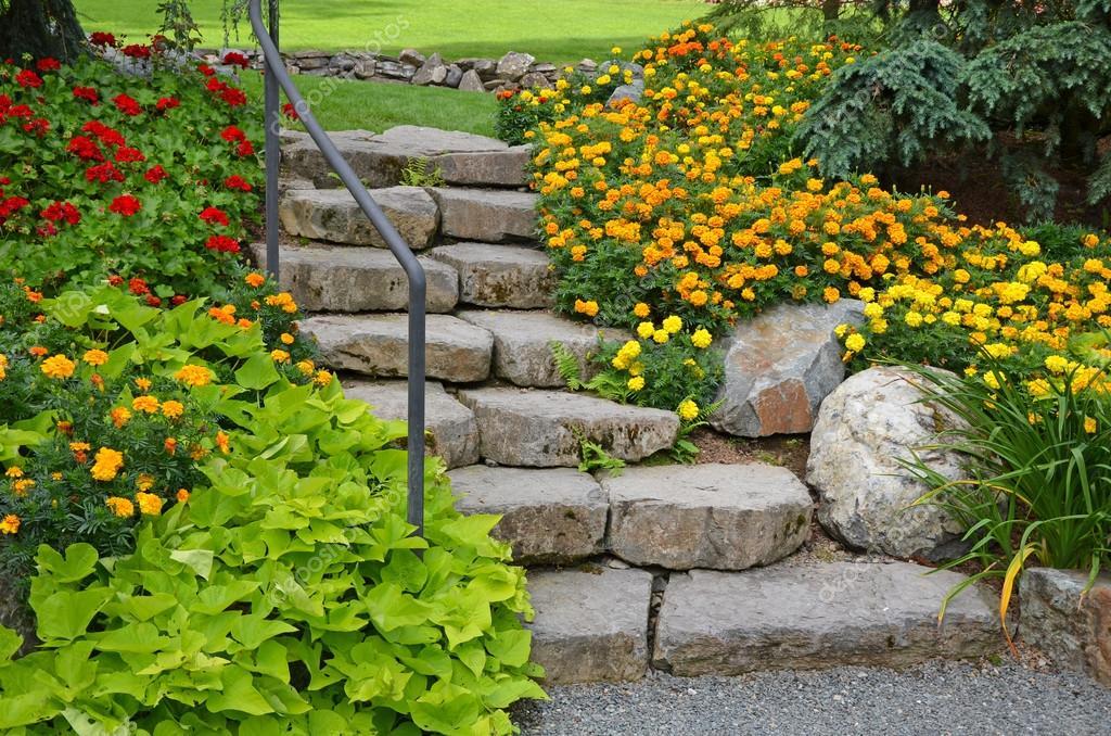 Célèbre de jardin escalier — Photo #31584927 GT64