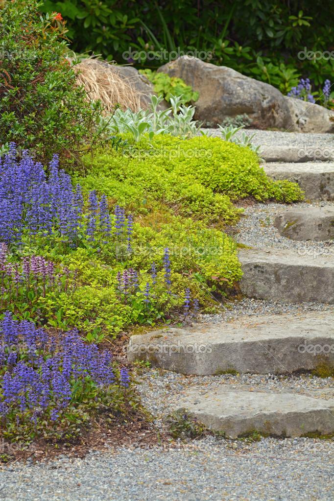 Pietra da giardino scale foto stock montana 46129917 - Scale in giardino ...