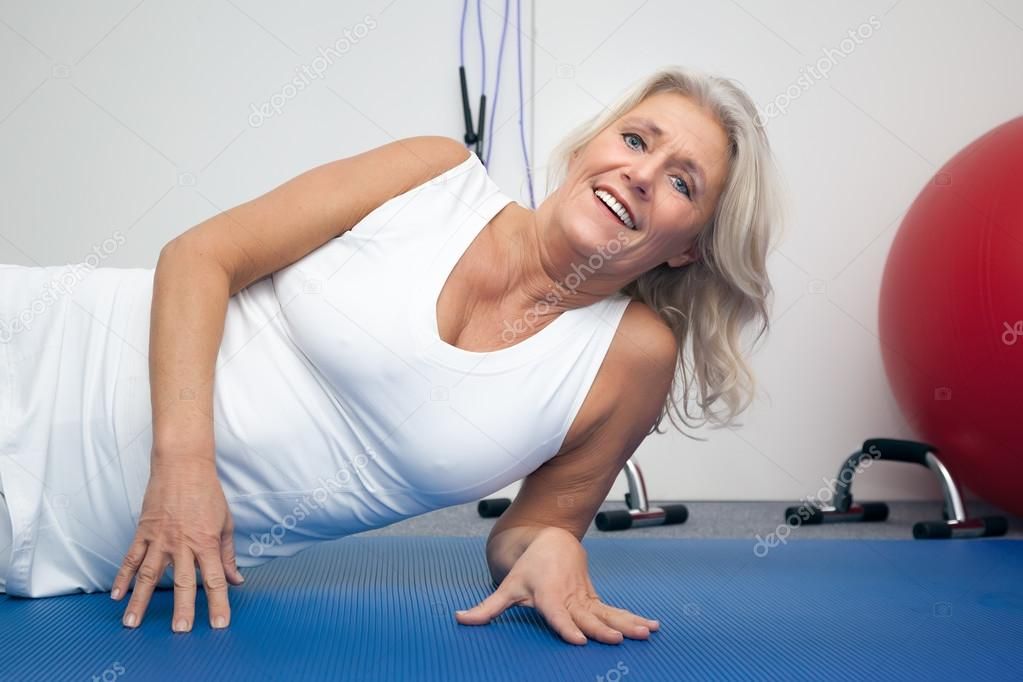 Fit Mature Woman Stock Photo - Download Image Now - iStock