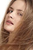 Egészség, szépség, wellness, Hajápolás, kozmetika és smink. Csodálatos divat frizura. Nő modell fényes egyenes, hosszú haj és a divat natúr smink. szexi lány