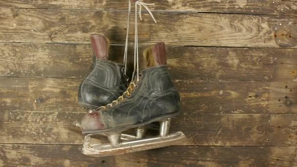 staré hokejové brusle