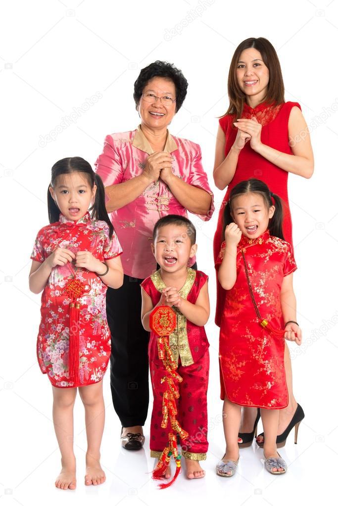 asiatische chinesische Familie Gruß auf Chinesisches Neujahr ...