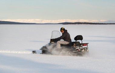 snowmobil winter sport