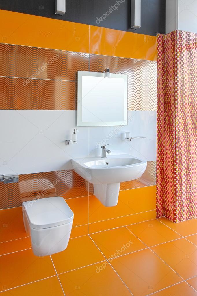 Piastrelle Bagno Arancione.Bagno Arancio Foto Stock C Baloncici 16862975