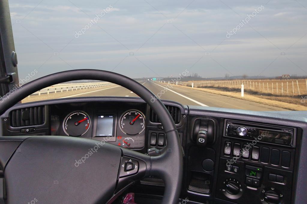 Dalla cabina del camion foto stock baloncici 49436849 for Piani di cabina 32x32