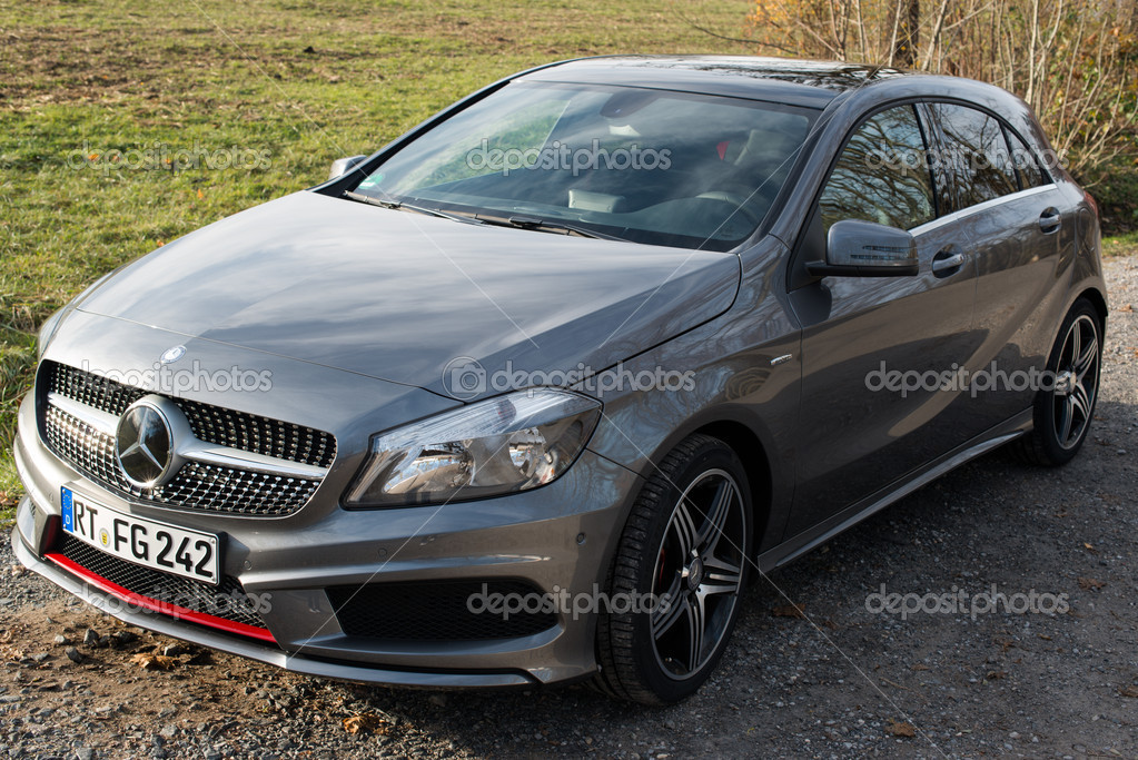 mercedes a klasse 250 amg sport redactionele stockfoto franky242 18025715. Black Bedroom Furniture Sets. Home Design Ideas