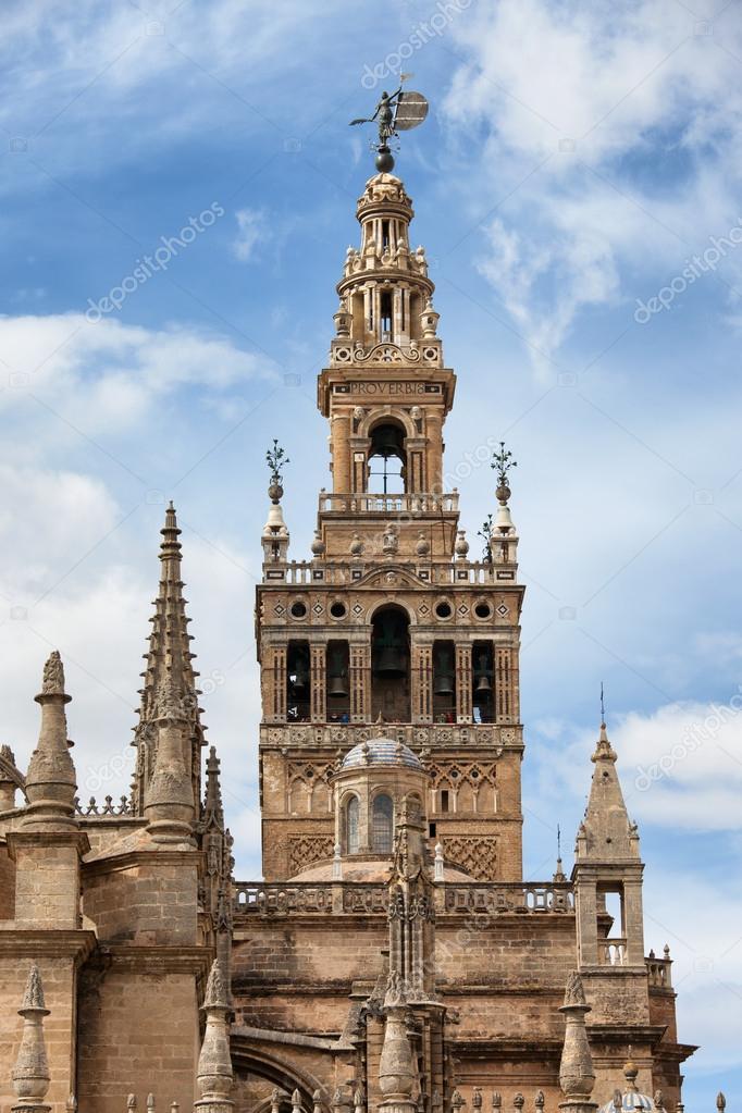 スペインのラ ヒラルダの塔の鐘...