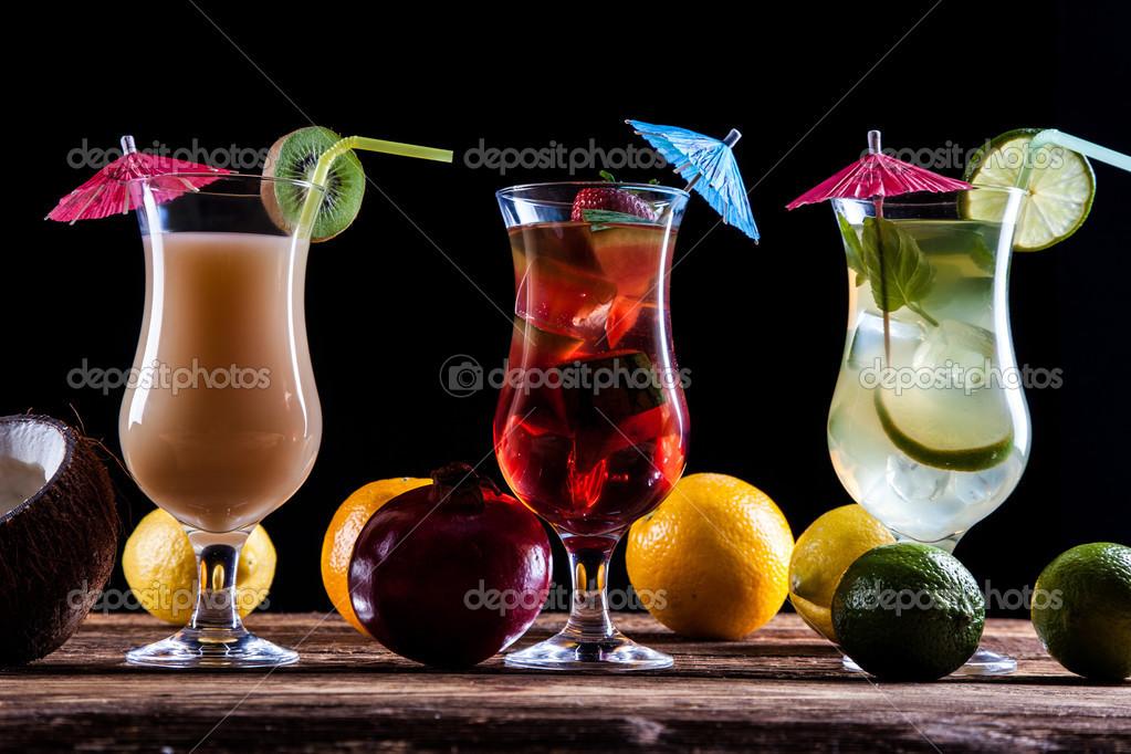 frische leckere Getränke — Stockfoto © BrunoWeltmann #50538115