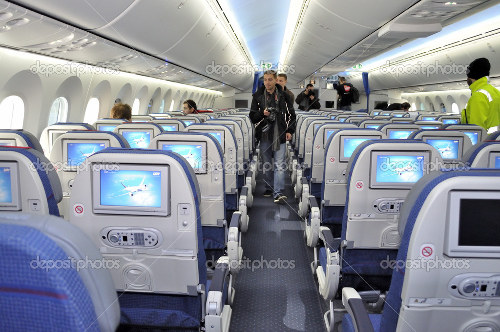 lintrieur du nouveau boeing 787 dreamliner premier dreamliner achet par beaucoup de polonais de transporteur national le 16 novembre 2012 varsovie