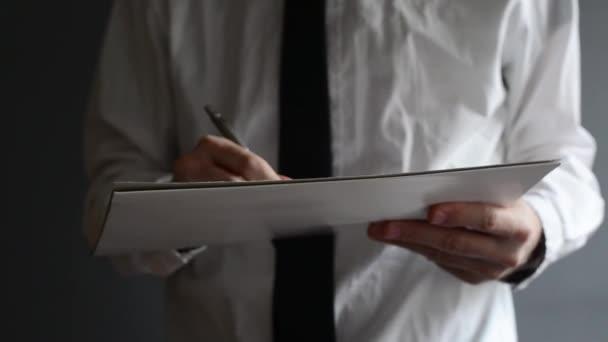 podnikatel psaní nebo podepisování projektové dokumentace