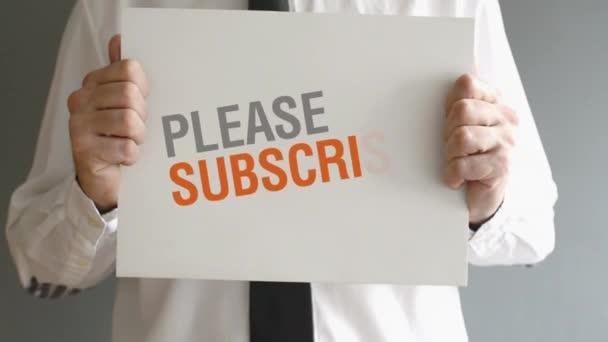podnikatel drží papír s prosím objednat titul. podnikatelský koncept