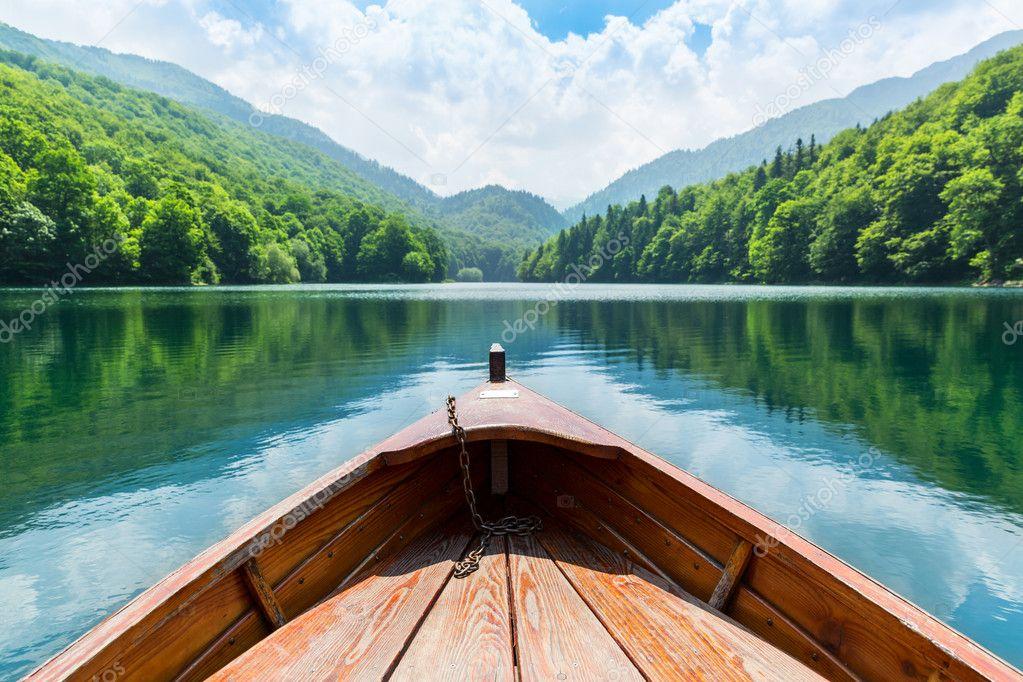 Фотообои Деревянная Лодка на озере