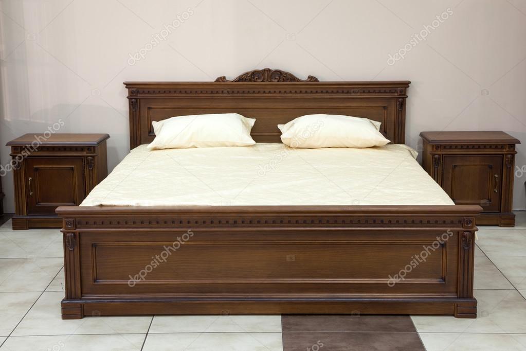 Camera da letto stile moderno italiano — Foto Stock ...