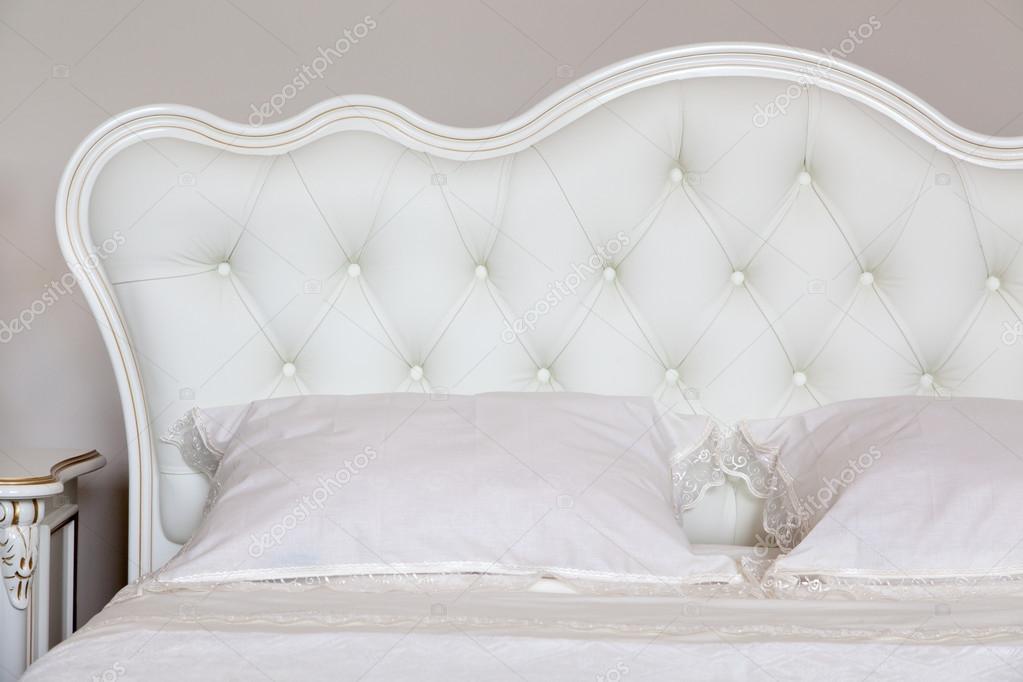 Modernen italienischen Stil Schlafzimmer — Stockfoto ...