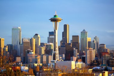 Sunset view of Seattle skyline with Space Needle