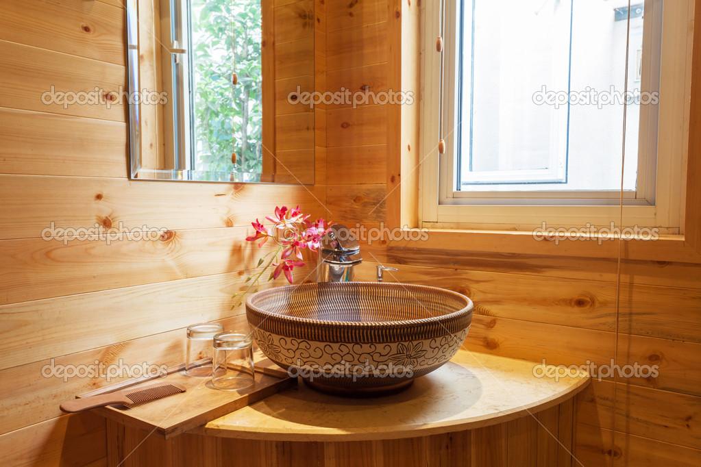 Bagno Stile Naturale : Bagno in stile naturale u2014 foto stock © zhudifeng #31018023