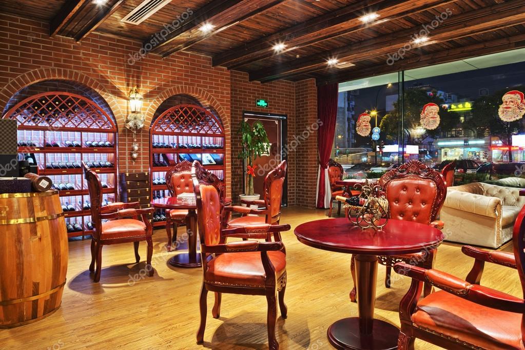 Restaurant met wijn decoratie u stockfoto zhudifeng