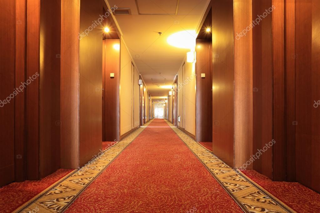 Tapijt Voor Gang : Hotel gang met tapijt u stockfoto chungking