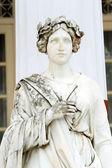 Photo Statue of a Muse Thalia