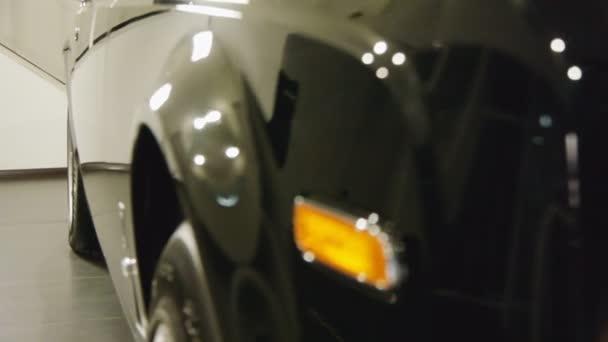 čelní pohled luxusních aut