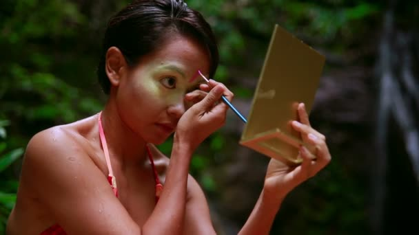Borneo Rainforest Tribal Culture: Face Painting