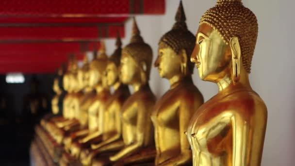 Arany Buddha szobrok