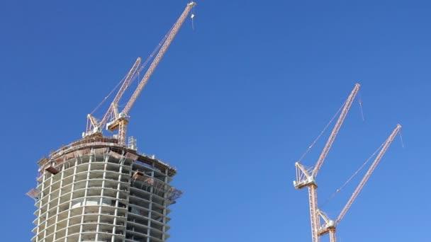 Výstavba budovy mrakodrap