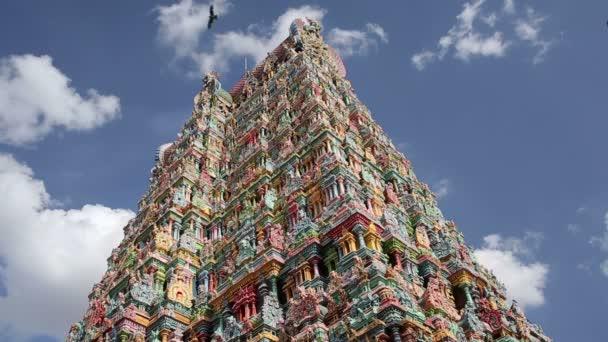 hindu templom díszes homlokzat