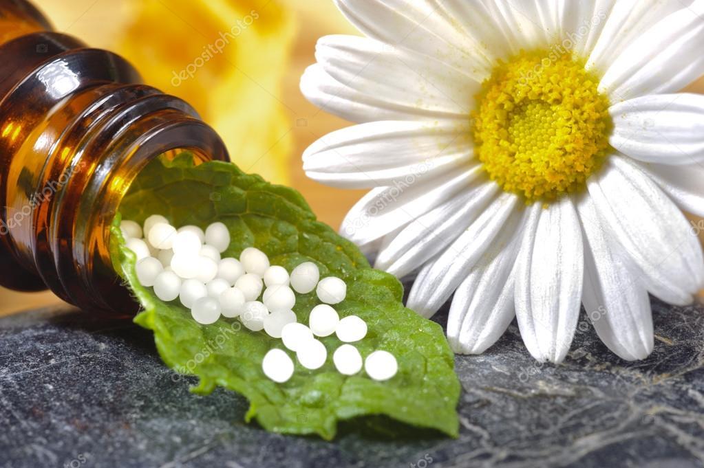 Herbal píldoras homeopáticas —  Fotos de Stock