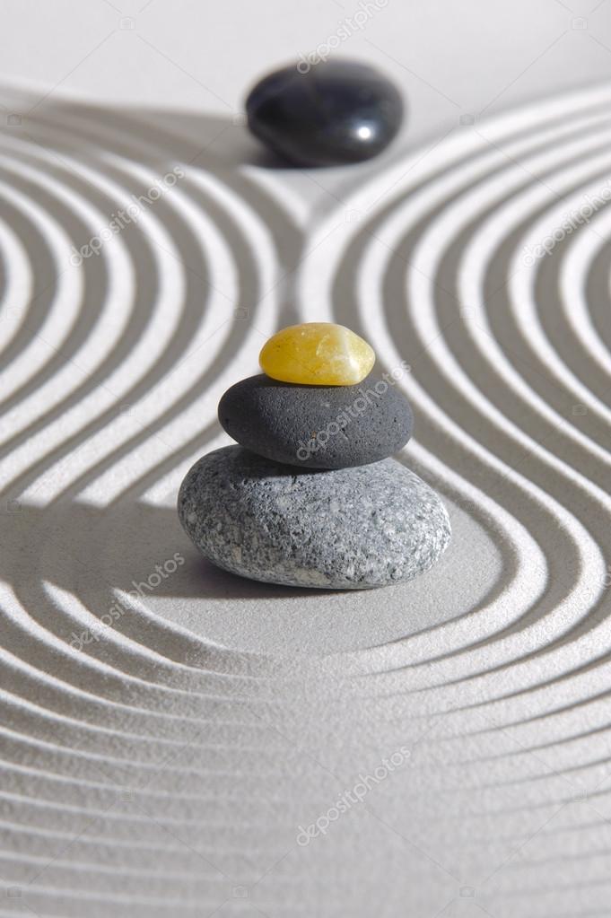 jardn zen japons u foto de stock