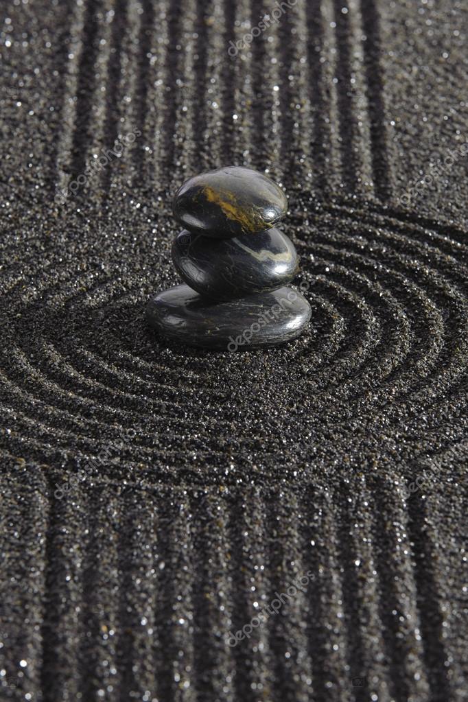 Giardino giapponese zen con pietre e sabbia foto stock for Giardino zen prezzo