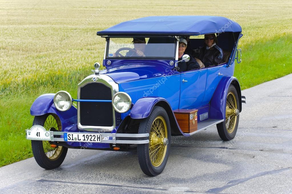 Rally for veteran cars – Stock Editorial Photo © filmfoto #49608851