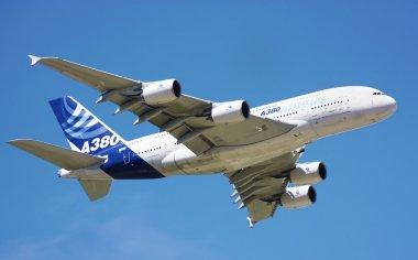 Airbus A380 demo flight at Farnborough