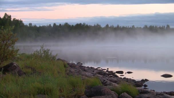 mlha a vlnky na jezeře, smyčka