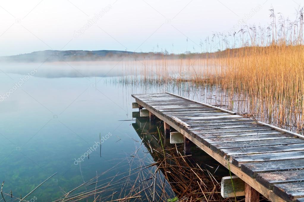 Фотообои Ирландский озера до восхода солнца